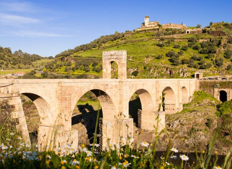ruta_bajo_el_puente_alcantara.jpg